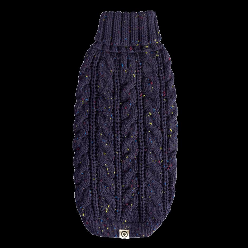 Este suéter es grueso y súper suavecito al tacto. En un estilo exclusivo de trenzas hará que los amigos del vecindario le den la bienvenida a tu peludo con un baile de colas sin igual! Una línea sofisticada diseñada para tu perro pensando en ti! Nuestras chompas se tejen cuidadosamente para brindar comodidad, resistencia, durabilidad y mucho estilo. Gloria usa talla X-Small En esta misma página, más abajo, encontrarás la<strong>GUÍA DE MEDIDAS</strong> específica de este suéter para que elijas correctamente la talla de tu perro. <strong>¡Toma en cuenta que no todas las prendas siguen la misma tabla de medidas! Dentro de cada producto, encontrarás la tabla de medidas que corresponde al modelo.</strong>